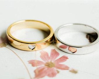 Tại sao nhẫn cưới lại có 2 chiếc