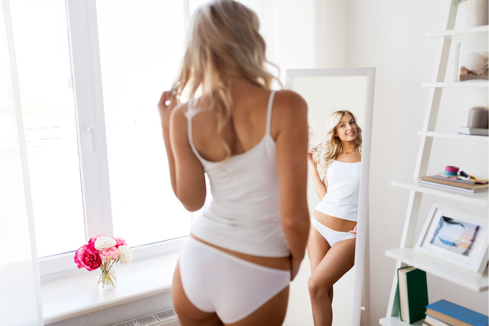 woman-in-mirror-white