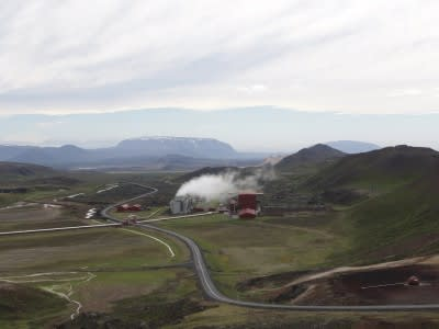 Icelandic Landsvirkjun pushing construction and lowers prices for off-takers