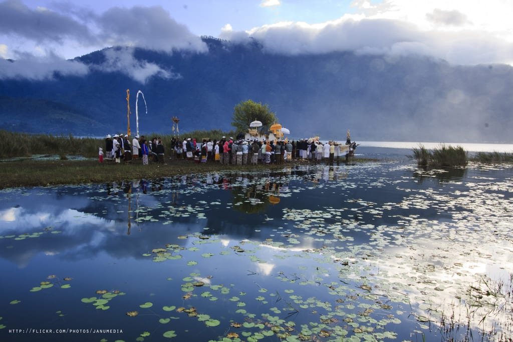 Governor of Bali asks Indonesian government to stop planned geothermal project