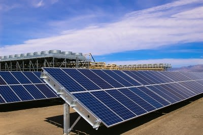 Video: Hybrid geothermal and solar power plant of Enel in U.S.