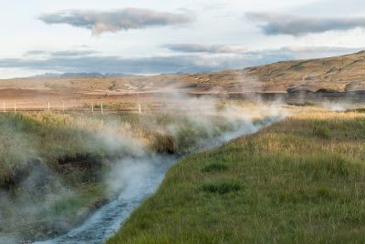 The unused potential of medium enthalpy geothermal resources in Iceland
