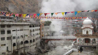 Video: Installing a small geothermal heating system in the Himalayas