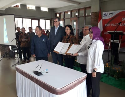 Binary pilot geothermal plant in Lahendong, Indonesia officially handed over