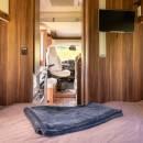 New-Britz-NZ-Cruiser-Campervan-Interior-6