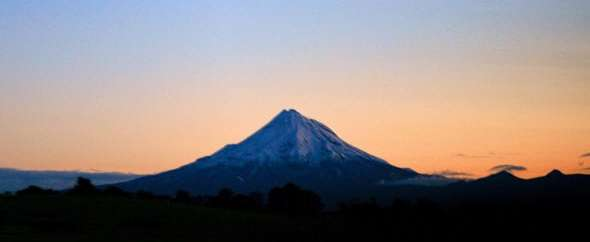mount taranaki sunrise new zealand
