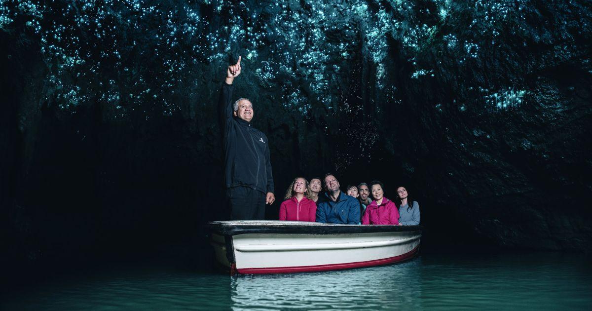 Waitomo Glowworm Caves Nz Black Water Rafting Discover
