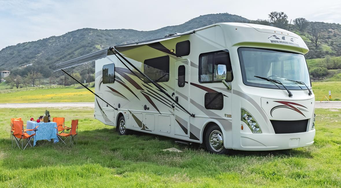 Class A RV for Rent | 6 Berth Motorhome | Road Bear RV Rental