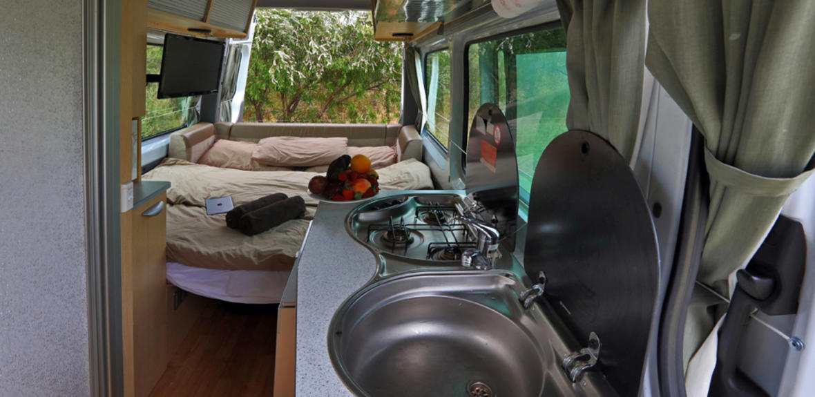 New Zealand maui Ultima Plus Motorhome Interior 5
