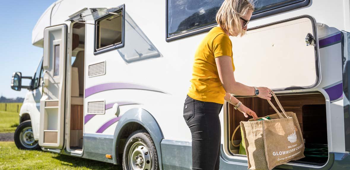 New-Britz-NZ-Cruiser-Campervan-Interior-9