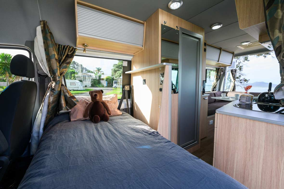 nz-maui-ultima-plus-interior-bed-ND