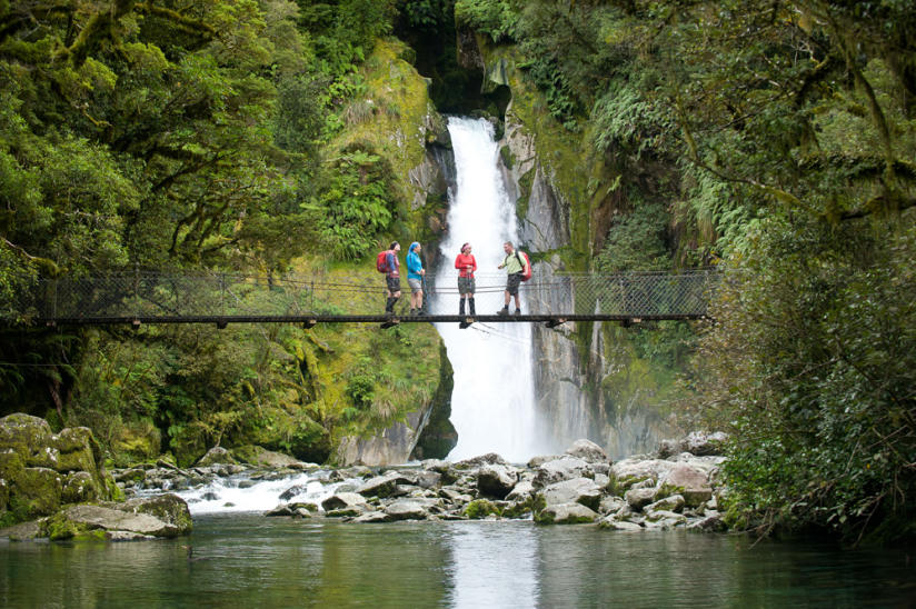 TOP 10 SOUTH ISLAND WALKS IN NEW ZEALAND