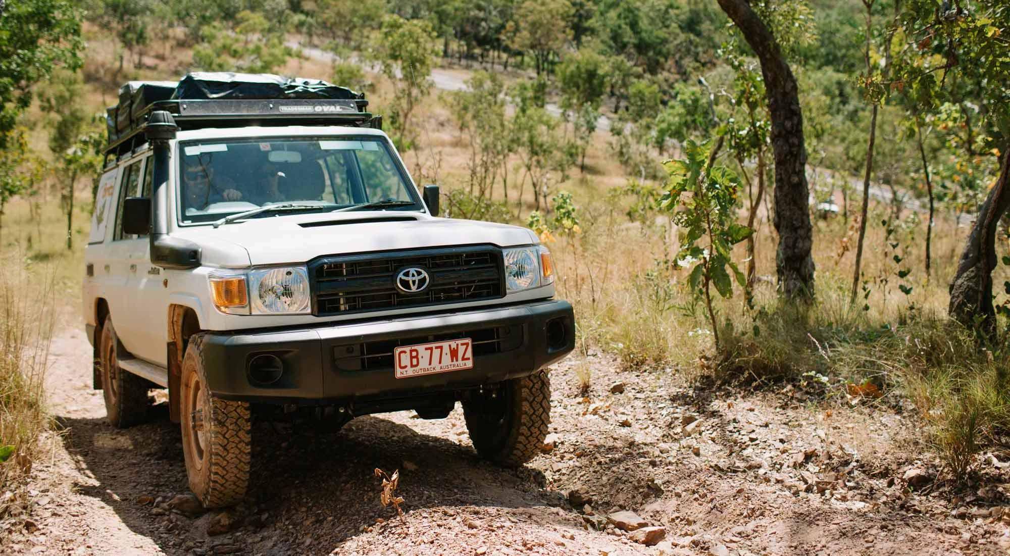 Britz Safari Landcruiser 4WD Off road