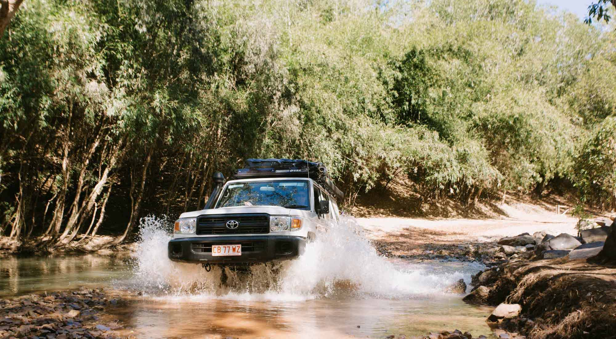 Britz Safari Landcruiser  4WD Watercrossing