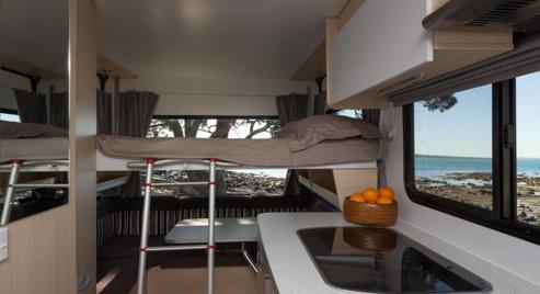lounge area 4 berth