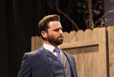 Thomas as Mitchell