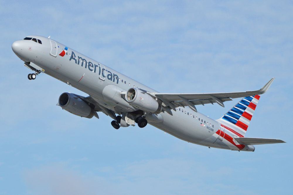 Photo of an Airbus A321 in American livery