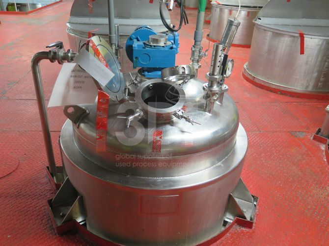 image of a 1404 litre jacketed stainless mixing vessel