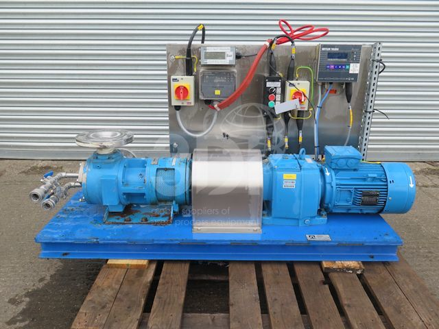 image of a tuthill globalgear pump gg130s stock 2427a