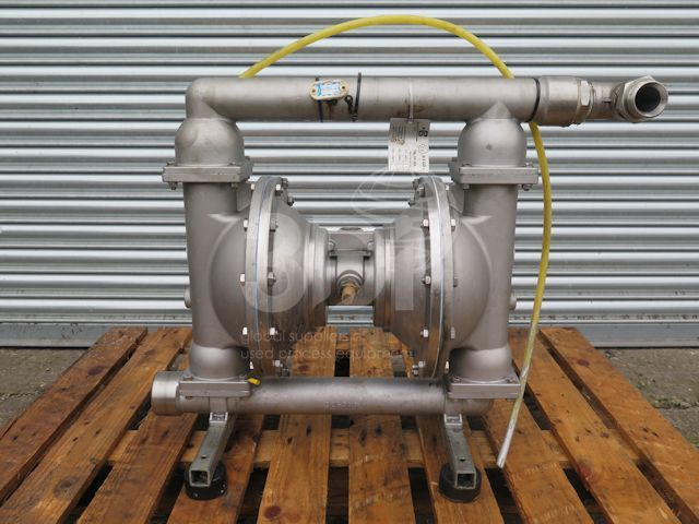 main image of a blagdon double diaphragm pump x50 stock 2506a