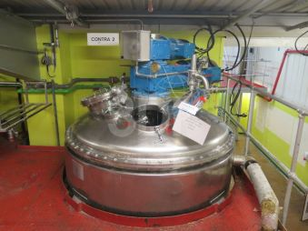 image of a 3000 litre contra rotating mixing vessel