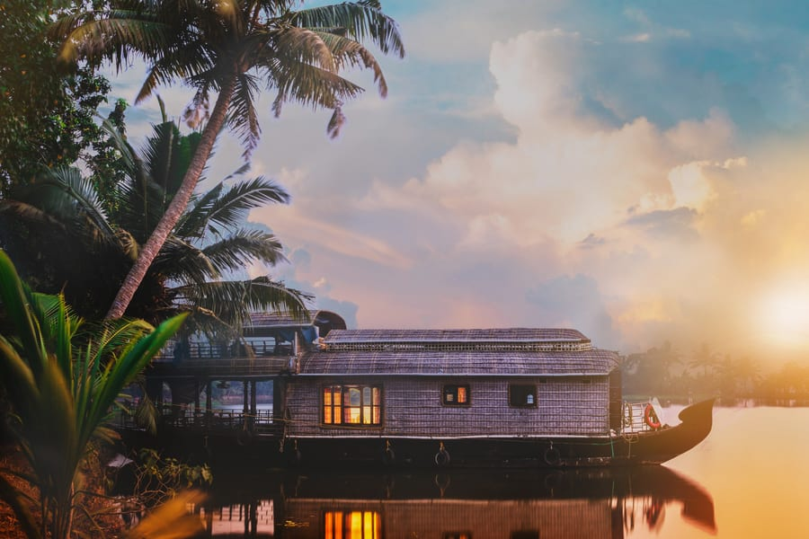 One Night Houseboat Tour In Alleppey Image
