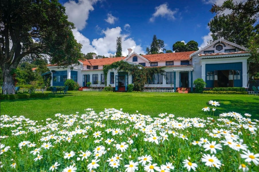 A Century Old Villa Surrounded By Hills In Coonoor Image