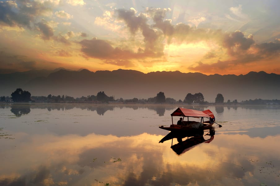 Kashmir Tour Package From Pune Image