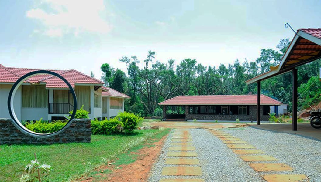 A Getaway amidst Lush Green Coffee Estates of Chikmagalur Image