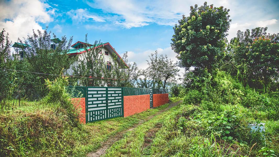 Hilltop Village Homestay Shimla Staycation Image