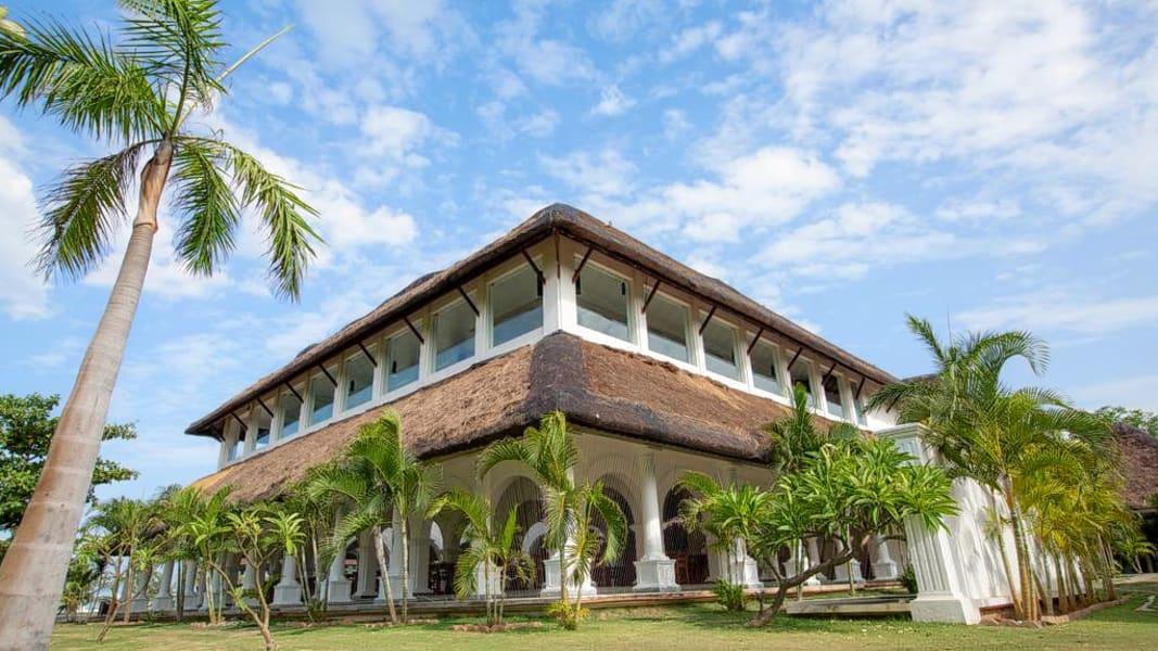 Le Pondy Resort Image