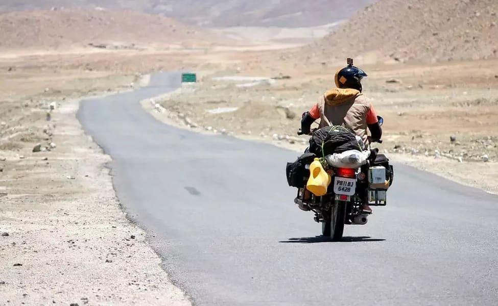 Manali to Leh Bike Trip Image