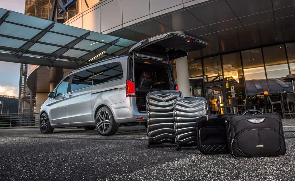 Dubai Airport Transfers Sharing Pickup Image