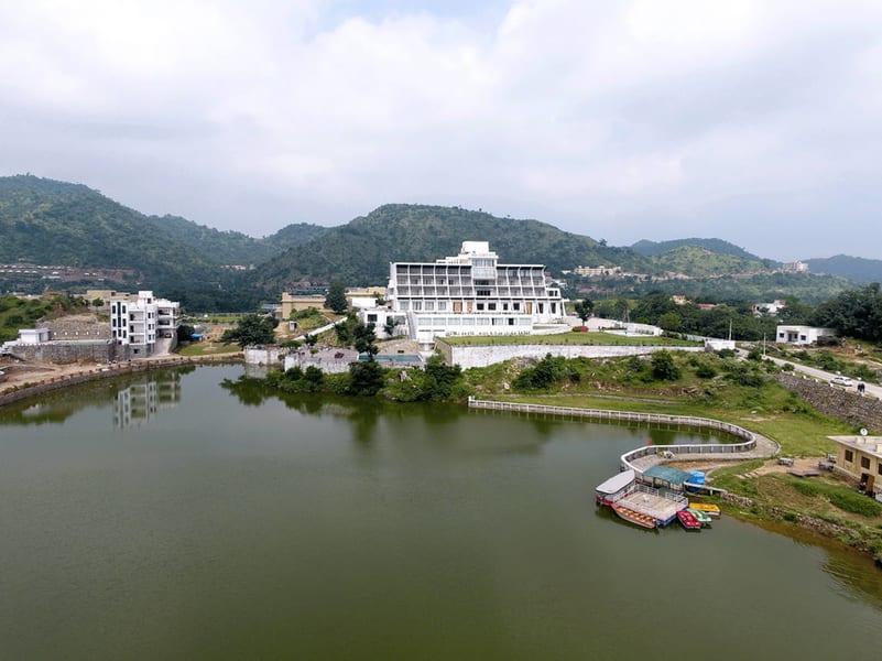 Via Lakhela Resort & Spa Image