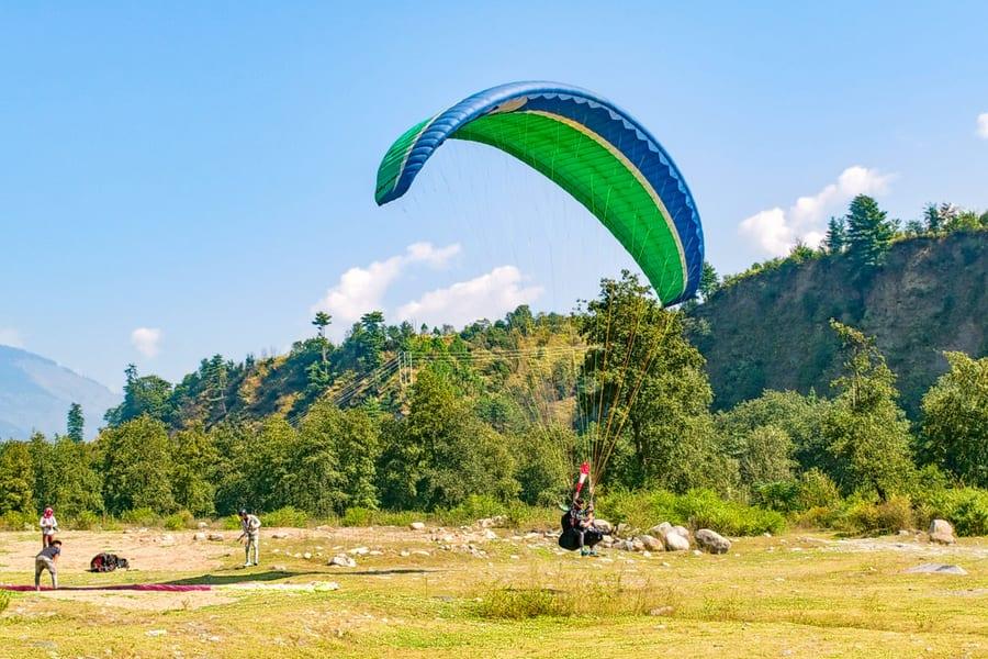 Paragliding In Kullu Image