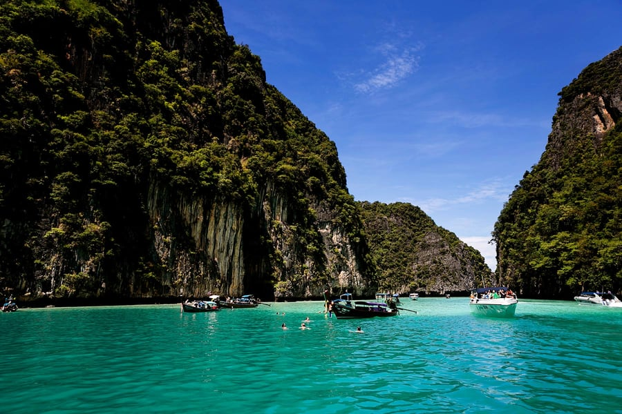 Phi Phi Island Tour By Speedboat from Phuket Image