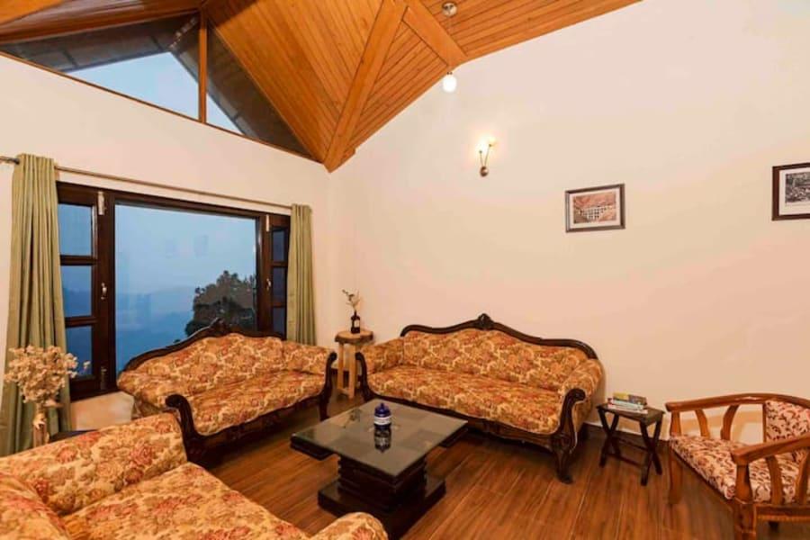 Cozy Villa Stay on The Hilltop of Kasauli Image