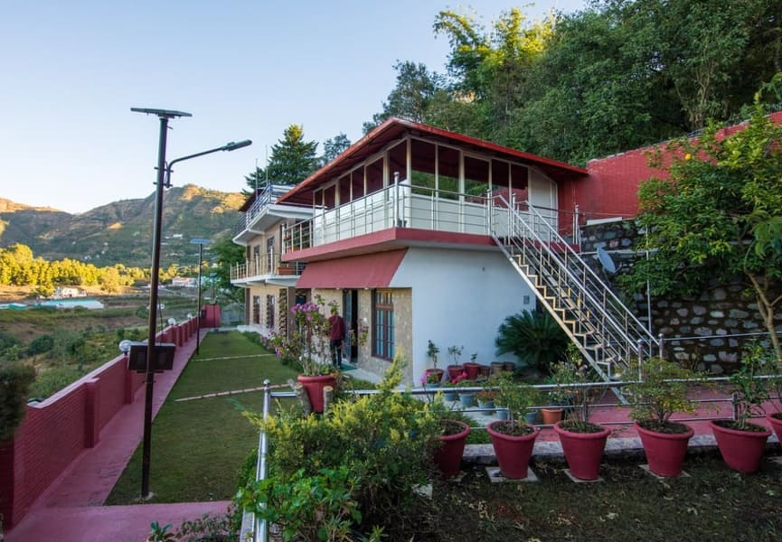 A Comfortable Stay Nestled in the Lush Greenery of Nainital Image