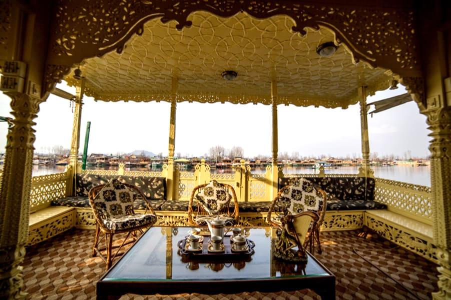 Luxury Boathouse Srinagar Image