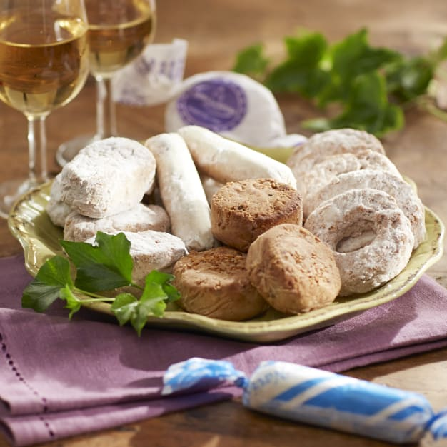 Image for Surtido of Holiday Cookies by Aromas de Medina