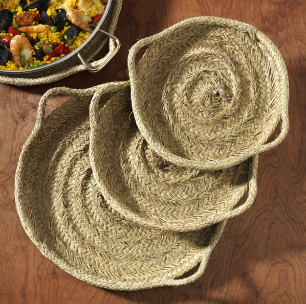 Image for 22 Inch Esparto Grass Paella Serving Tray - Handwoven