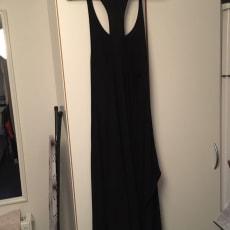 Anden kjole, H&M, str. M, Sort , Næsten som ny, Enkelt sort kjole, str M. Fejler ikke noget og.