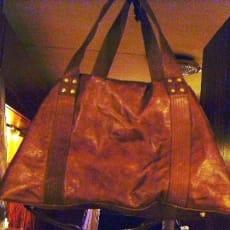 Rejsetaske, Texas Novo, b: 50 l: 22, Bøffellæder weekend taske, med håndhanke og skulderrem. Bøf.