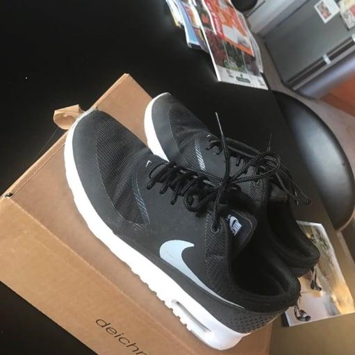 Sneakers, str. 39, Nike, Næsten som ny, Jeg sælger mine Nike Thea i str. 39, da jeg aldrig får d.