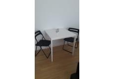 2 stoler + bord