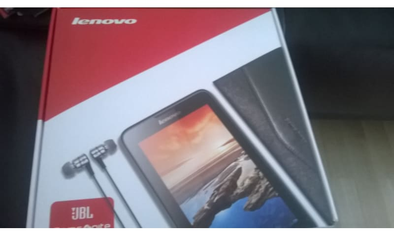 Sælger ny Lenovo tab