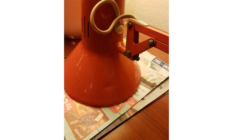 Arkitektlampe, Luxo  fed retro i orange farve