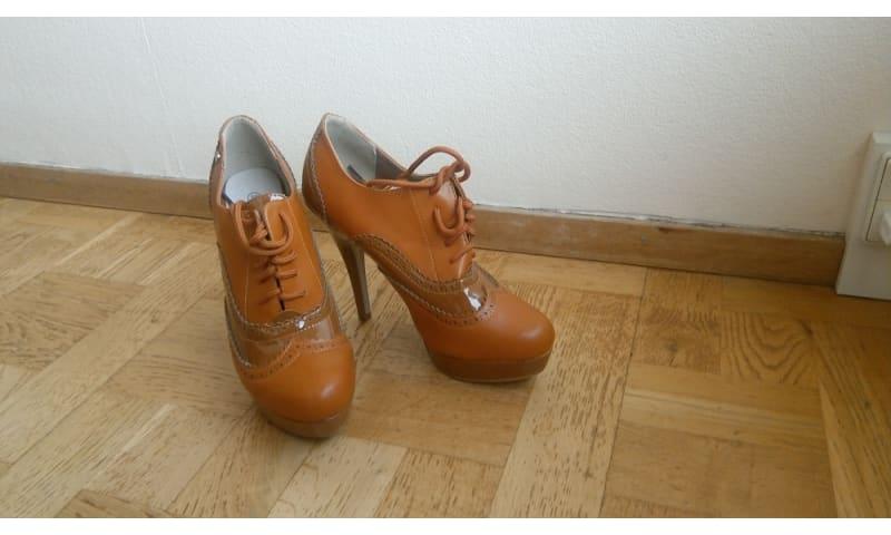 Nye højhælede sko