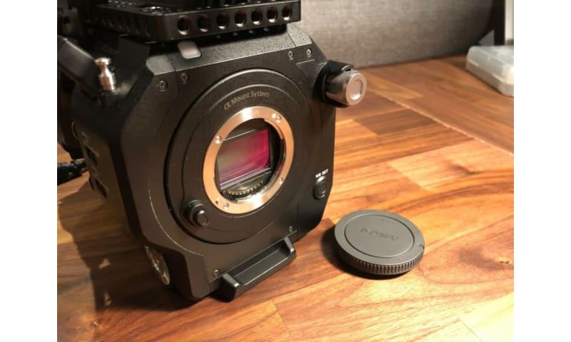 Sony PXW-FS7 4K Super 35mm + SmallHD-plader