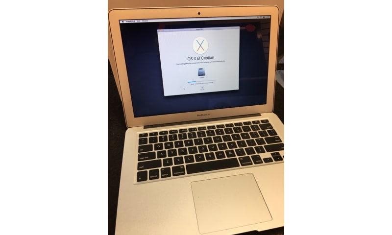 """Apple MacBook Air 13""""/ iMac 27 Retina 5k Display"""